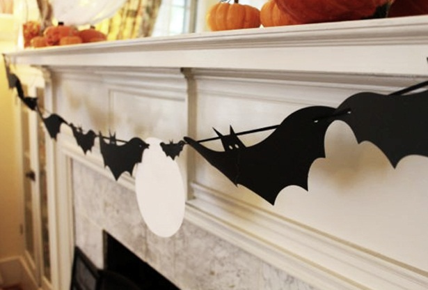 diy-halloween-home-decor-garland-black-paper-bats-fireplace