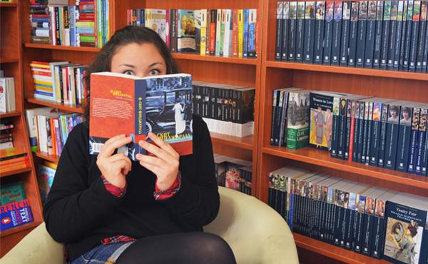 Преводач-редакторът Илияна Бенова и непосилната лекота на текста