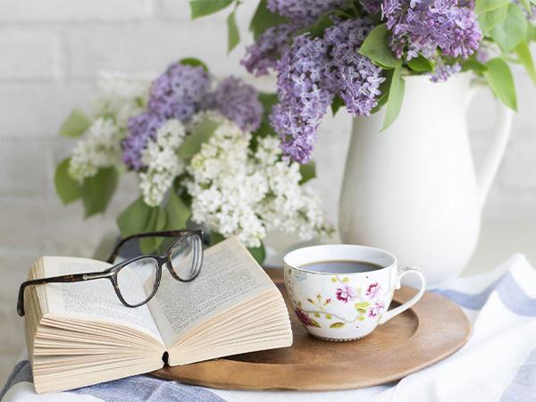 10 книги, които да прочетеш тази пролет